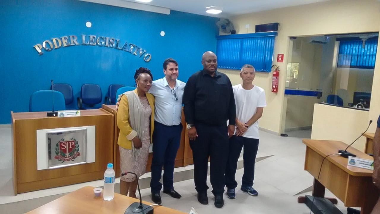 Consul da África do Sul visita a Câmara de Itariri